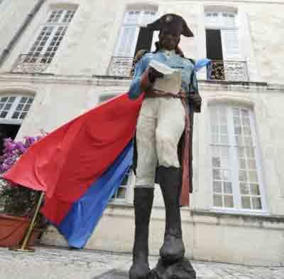 toussaint_statue